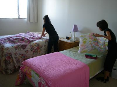 オイルがつかないようセラピストさんがベッドにカバーをかけてくれる
