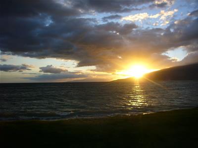 キヘイのビーチで見る夕日