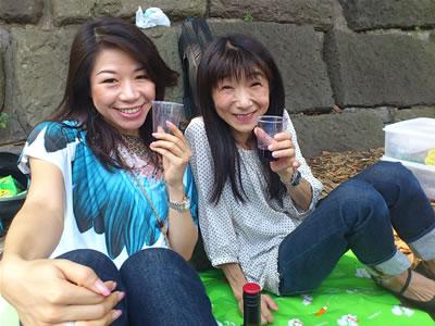 昼間っからワイン飲んでとっても幸せな、れいなさんとYuki