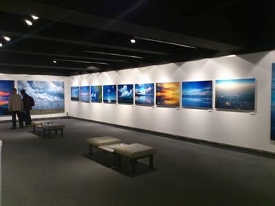 自然写真家・高砂淳二氏の写真展「そら色の夢」
