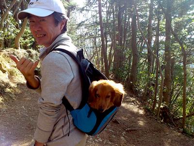 Hanaはリュックに入って山登り