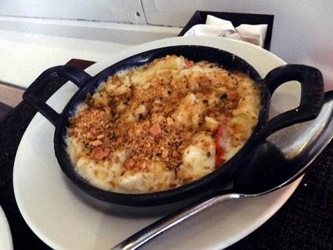 """このマカロニはサイゼリアザイズのlobster truffle """"mac"""" and cheese"""